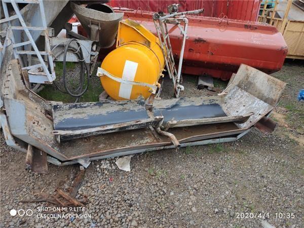 Canales Hormigon  Canales Hormigon MAN F 2000 26.323 DFS,26.323 DFLS andre driftsdeler for MAN F 2000 26.323 DFS,26.323 DFLS betongblander lastebil